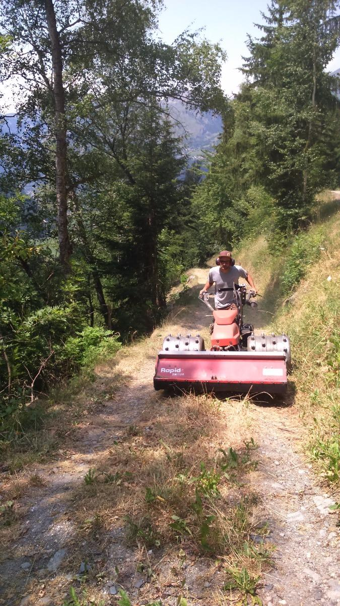 Broyage de chemins, Montvalezan